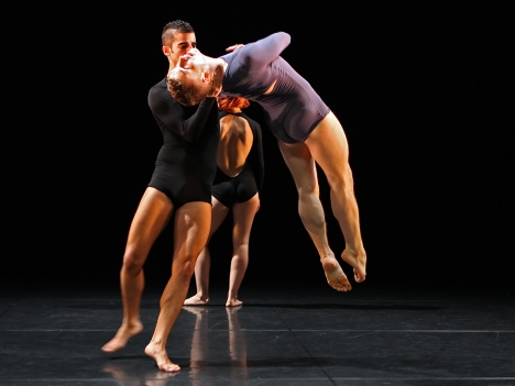 Eran Gisin & Gareth Mole, By Singing Light by Stephen Petronio, Photography Roy Campbell-Moore